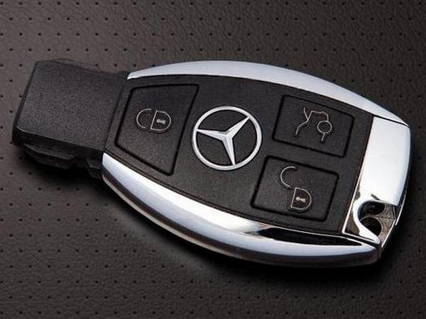 Mercedes_key-2